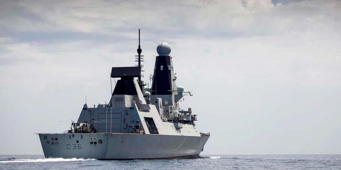 В Кремле прокомментировали инцидент с британским эсминцем