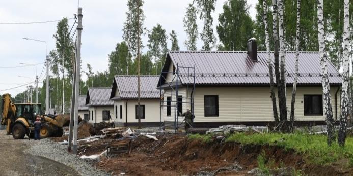 Уничтоженные огнем дома жителей села Бяс-Кюель в Якутии восстановят в течение двух месяцев