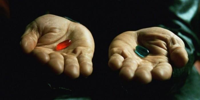 Пользователи соцсетей поспорили о цвете двух таблеток