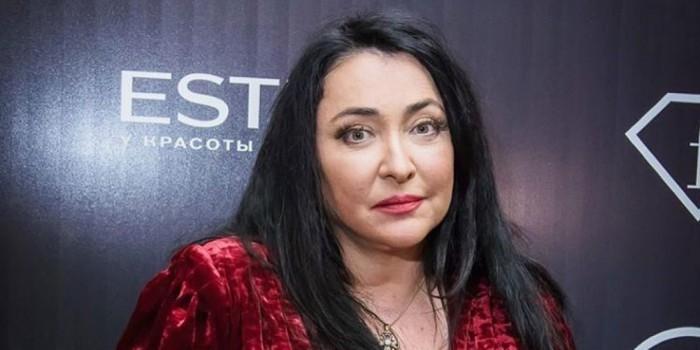 Певицу Лолиту Милявскую сняли с поезда при попытке въехать на Украину