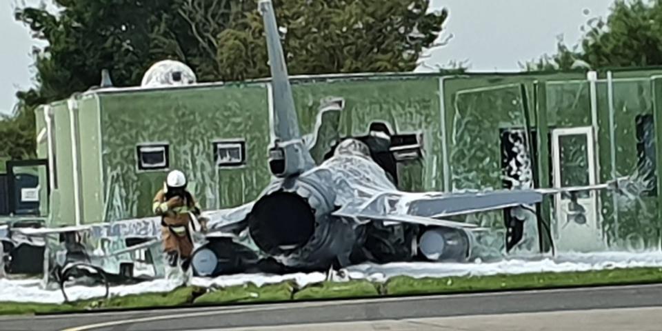 Бельгийский F-16 врезался в здание в Нидерландах