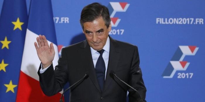 МВД Франции потребовало от фаворита президентской гонки объяснений по подозрению в растрате