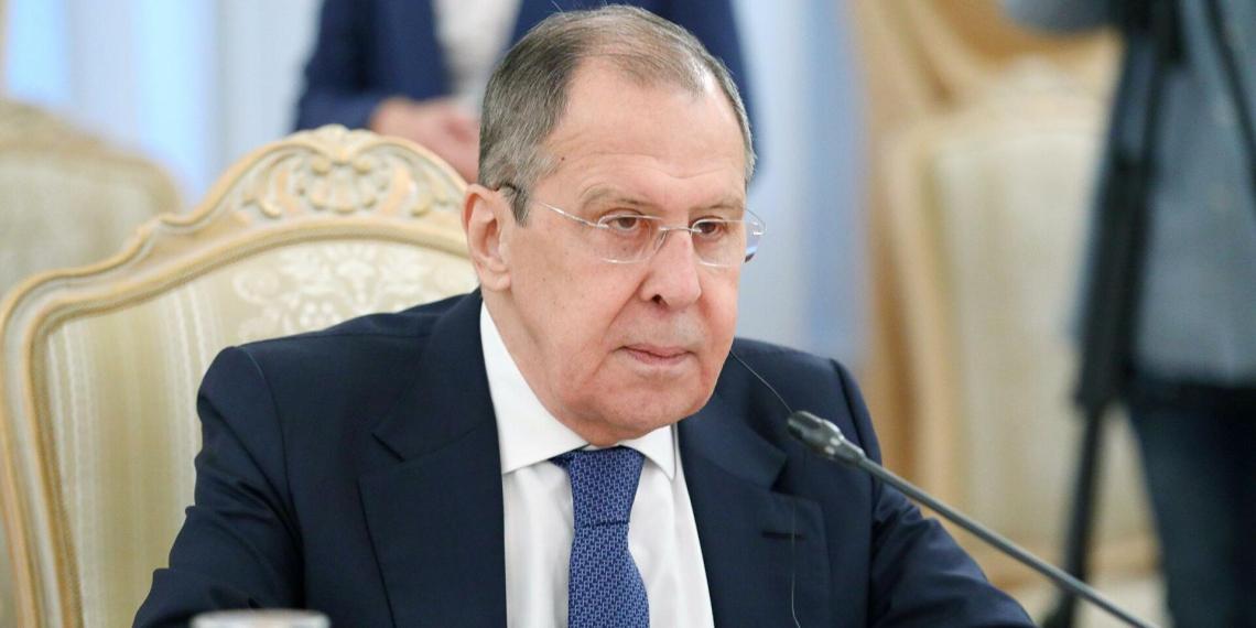 Лавров отменил визит в Берлин и обвинил Запад в выходе за рамки разумного