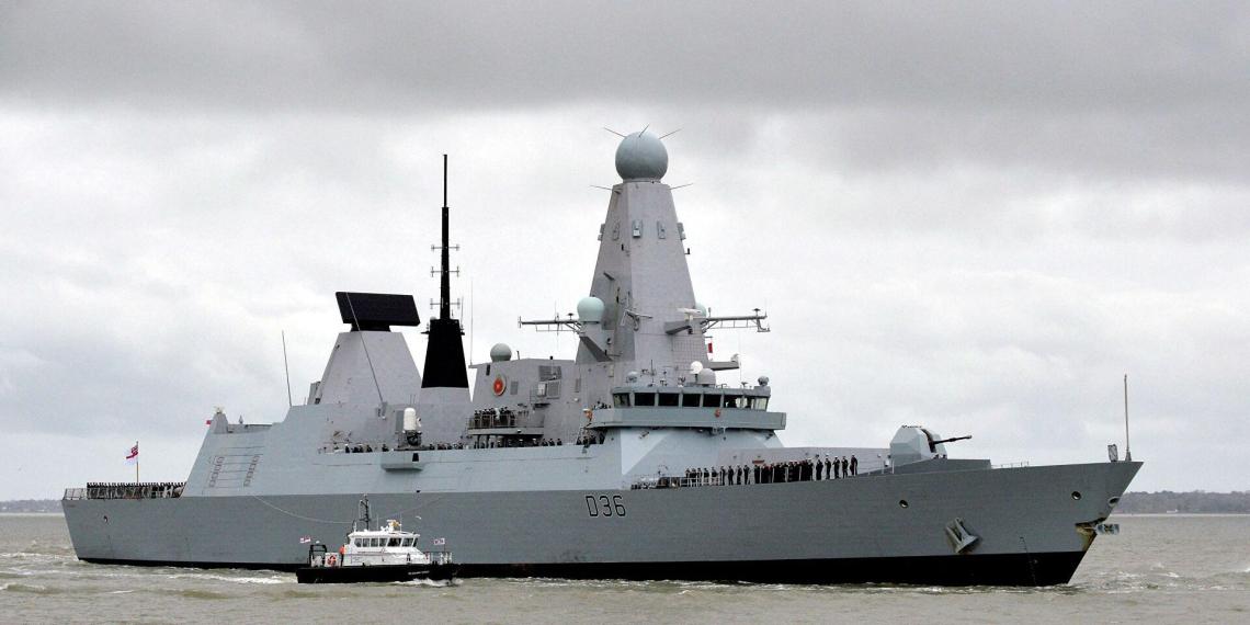 Минобороны вызывало британского атташе после инцидента с вторжением эсминца в российские воды