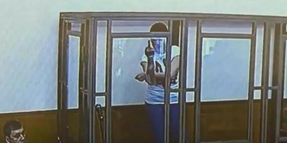 Недовольная решением судьи Савченко показала ему неприличный жест