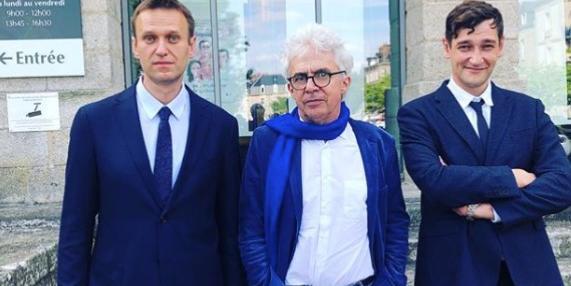 Адвокат братьев Навальных получает деньги от Сороса