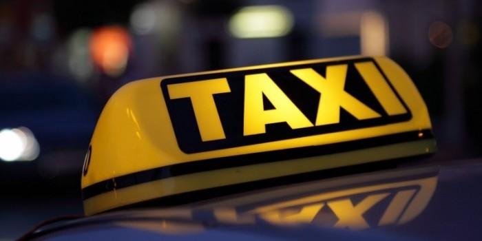"""Запрет """"Яндекс.Карт"""" вызвал перебои в работе киевского такси"""