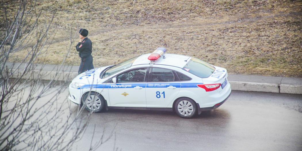 Полицейские оштрафовали за нарушение карантина жителя Крымска, который вез к врачу беременную жену
