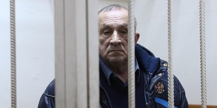 Экс-глава Удмуртии частично признал вину в получении взяток