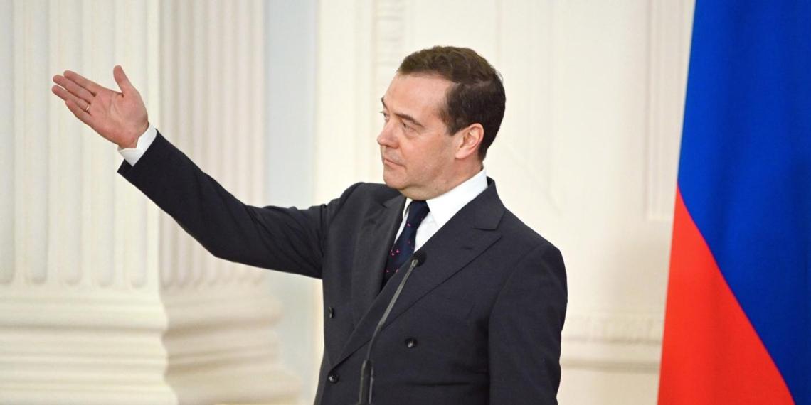 """Медведев назвал действия Саакашвили в 2008 году """"объявлением войны России"""""""