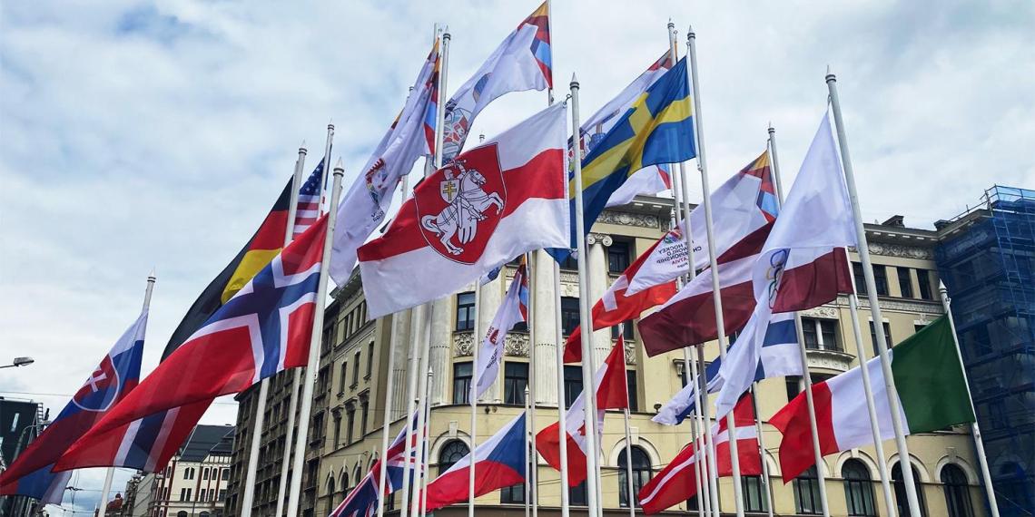 Власти Латвии сняли флаг Белоруссии на ЧМ по хоккею в Риге