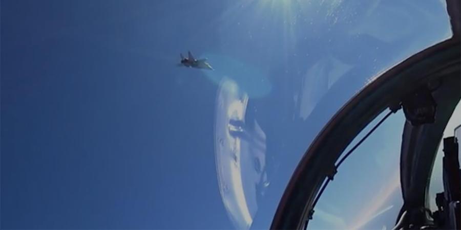 Воздушная дуэль истребителей МиГ-31БМ попала на видео