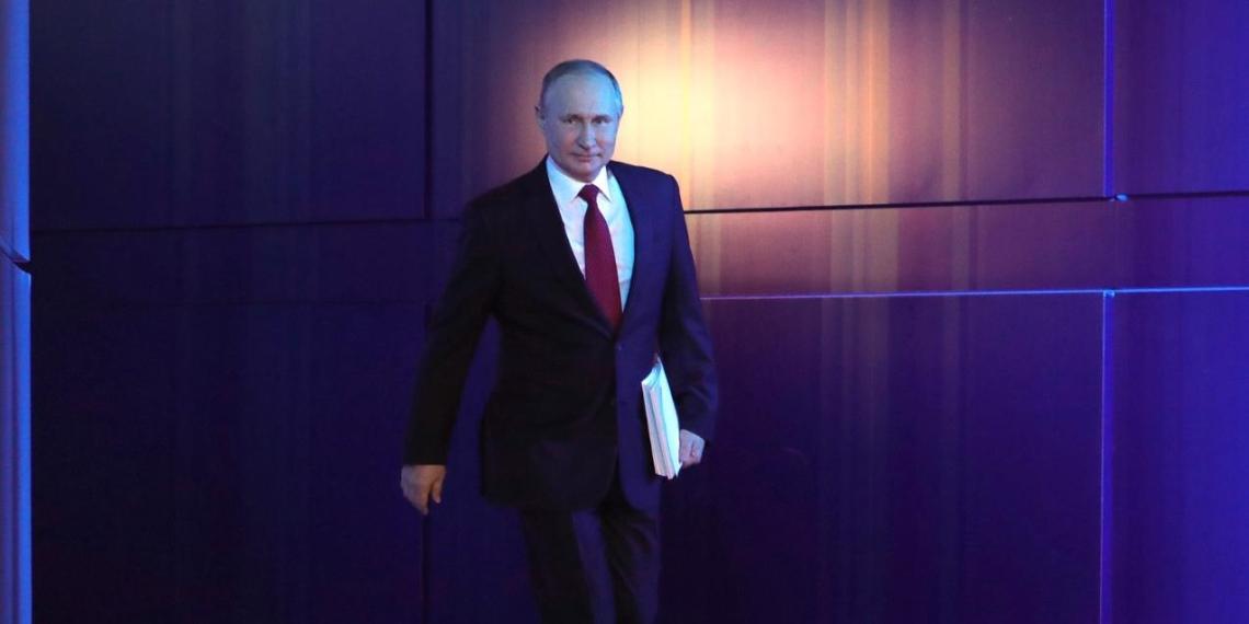 """Путин: необходимо тиражировать успешный опыт цифровых платформ """"обратной связи"""" с гражданами"""