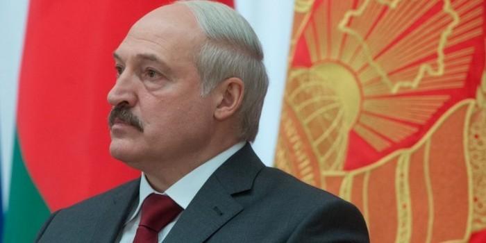 Лукашенко пообещал не дать оппозиции создать из России образ врага