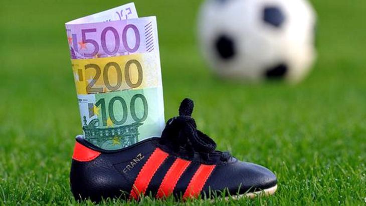 РФПЛ предложила платить футболистам зарплаты по фиксированному курсу