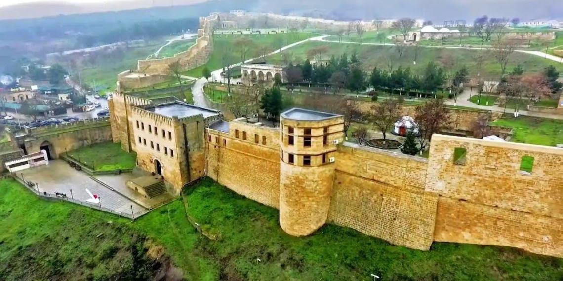 Рухнула стена древнейшей крепости России