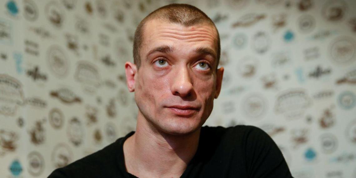 Павленский рассказал о краже интимного видео с экс-кандидатом в мэры Парижа