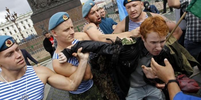 Геи из Санкт-Петербурга решили провести парад на день ВДВ