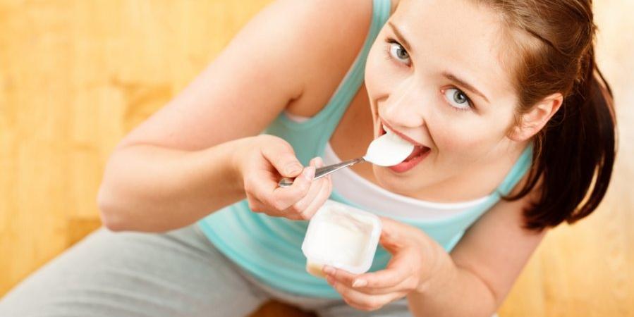 Врачи предостерегли женщин от того, чтобы заливать йогуртом вагину