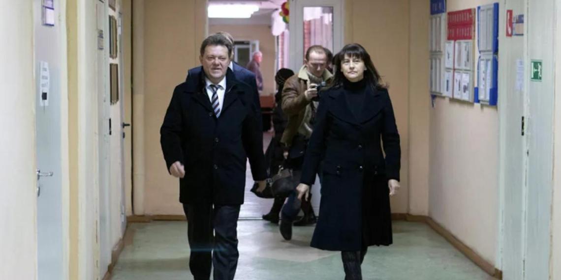 Жена мэра Томска во время обыска пыталась избавиться от 1,3 млрд рублей