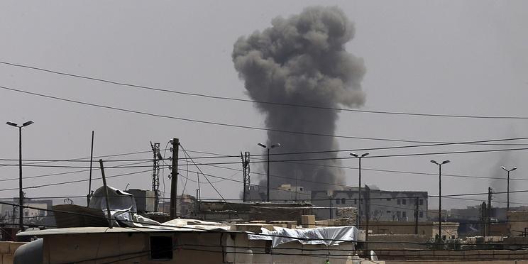СМИ сообщили о ракетном ударе по сирийской авиабазе в Хомсе