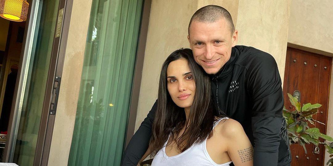 Экс-супруга Мамаева пожаловалась, что футболист пытается отнять у нее дочь и взыскать с нее алименты
