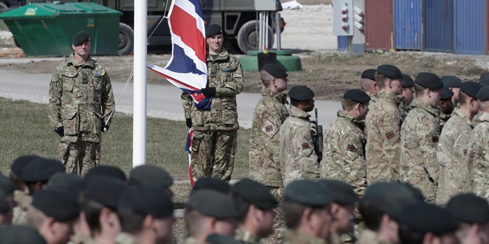 """Британия решила заставить Россию """"ощутить последствия ее действий"""""""