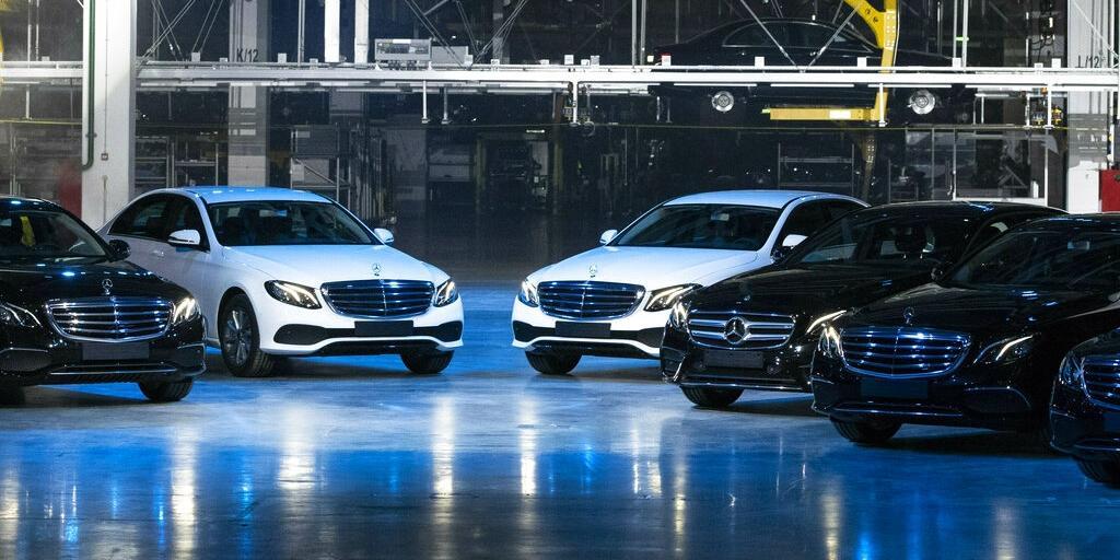 """Daimler избежал штрафа за картельный сговор, """"заложив"""" Еврокомиссии BMW и VW"""