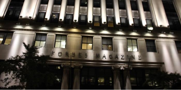 Forbes спрогнозировал скорую отмену санкций против России