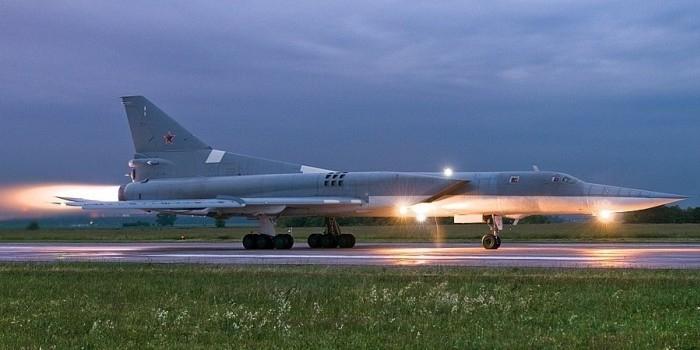 Индия приобретет у России дальние бомбардировщики и ЗРК С-400