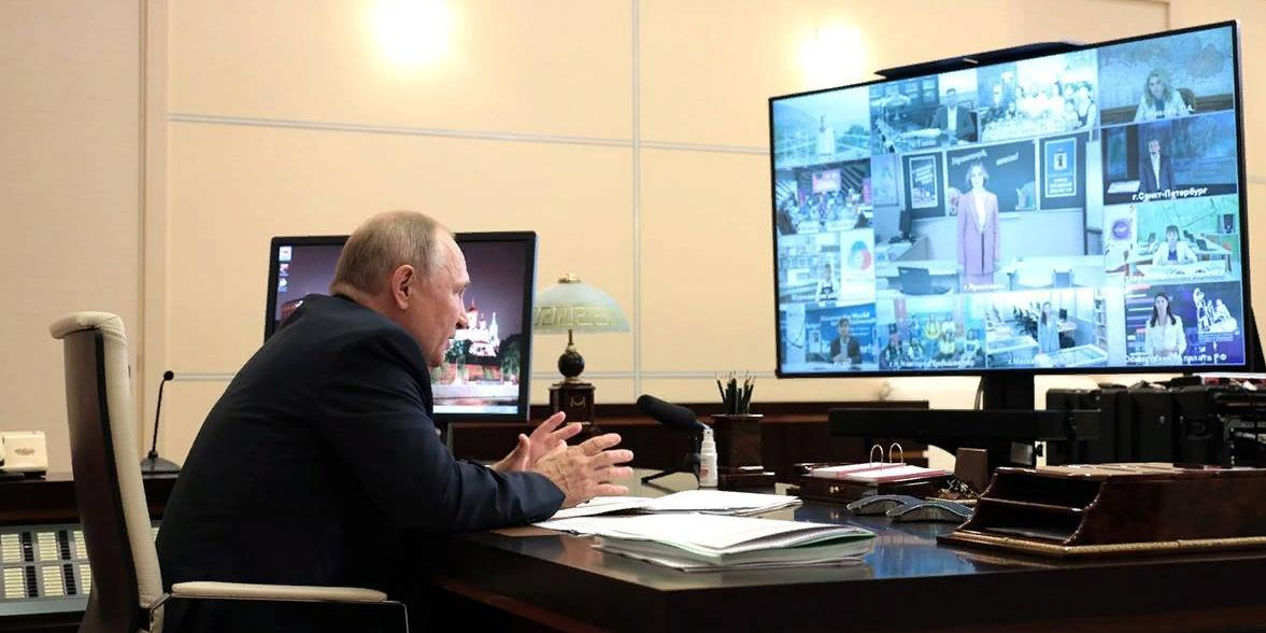 Путин поддержал предложение об учреждении в стране Дня отца