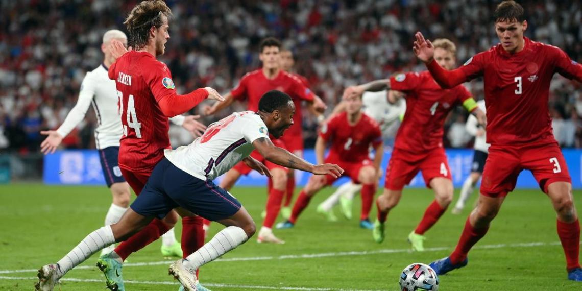 УЕФА открыл дисциплинарное дело против Англии