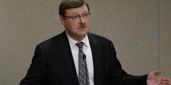 """В Совфеде призвали совместно с ЕС дать США """"болезненный"""" ответ на новые санкции"""