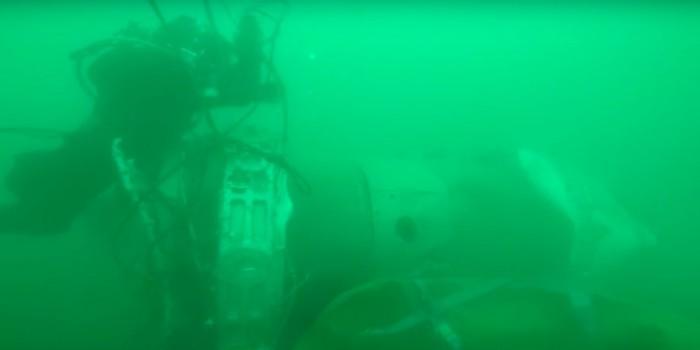 МЧС опубликовало видео работы водолазов в районе крушения Ту-154