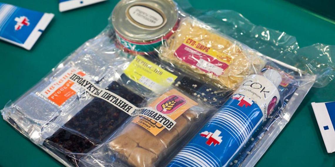 Российские космонавты отказались от продуктов питания в тюбиках