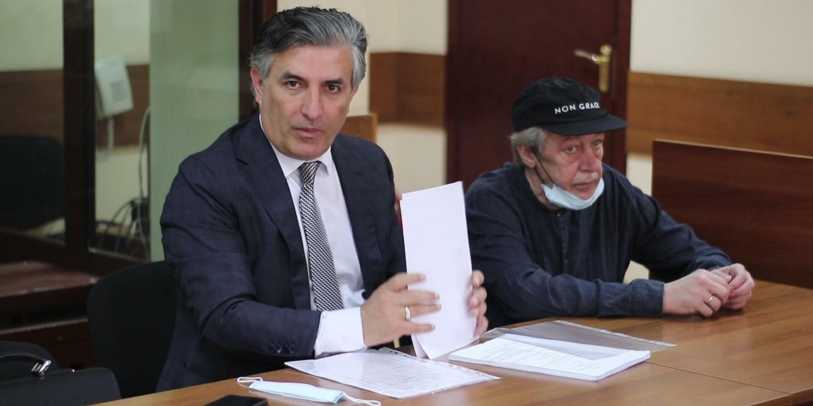 Стали известны детали судимости адвоката Ефремова