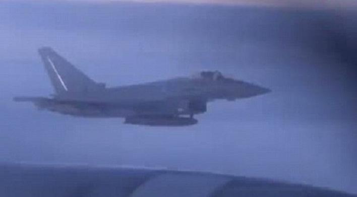 Самолеты НАТО эскортируют российский бомбардировщик (Видео)