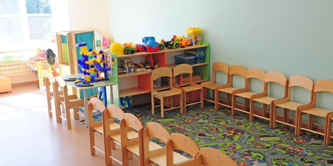 В Красноярске родителей попросили не приводить на праздник в детсад дочь с нарушениями речи