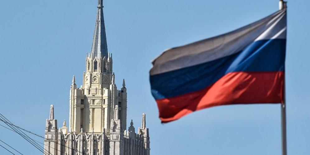 Россия выслала троих дипломатов ЕС за участие в незаконных акциях
