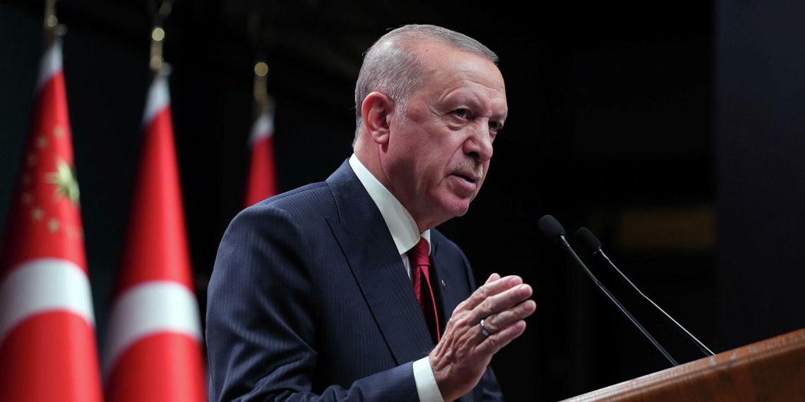 Эрдоган пригрозил высылкой послам десяти стран