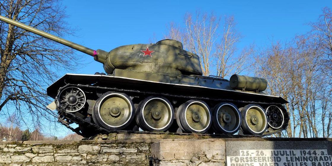 В Латвии хотят ввести штрафы за публичный показ военной техники СССР