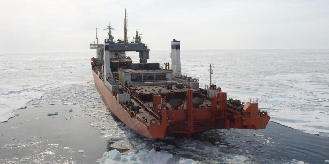 Российские судостроители отказались строить новый отечественный ледокол для Севморпути