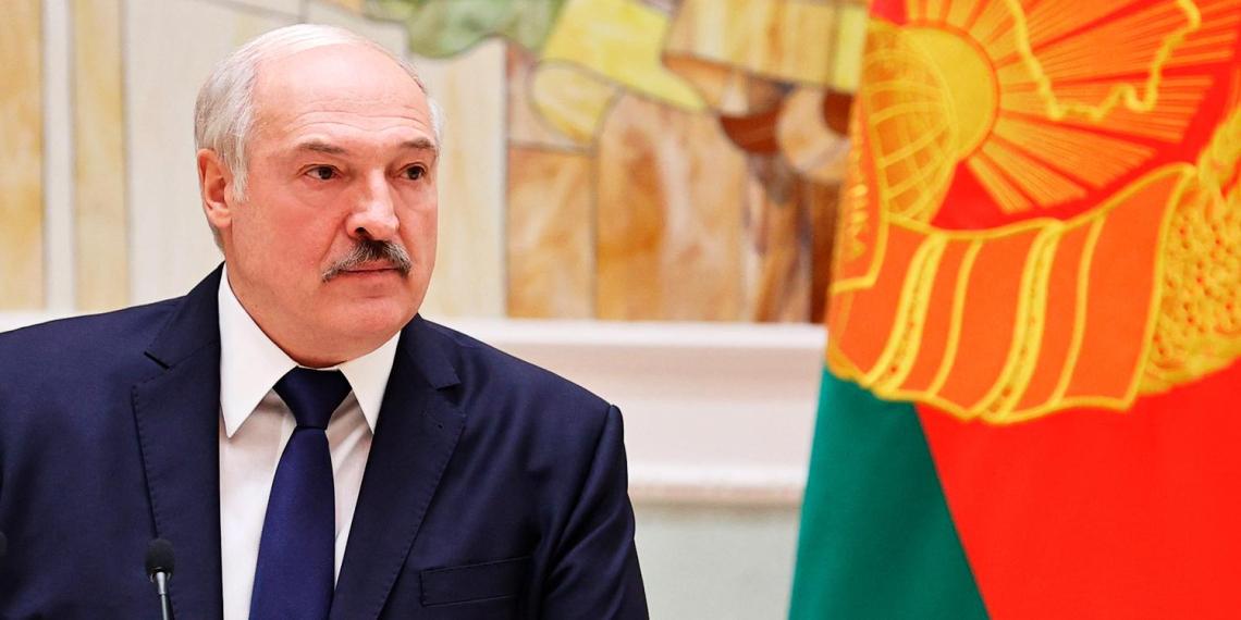 Лукашенко решил убрать белорусские посольства из некоторых стран