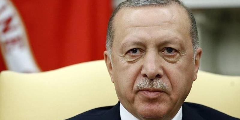 Эрдоган подал в суд на пославшую его в заголовке греческую газету