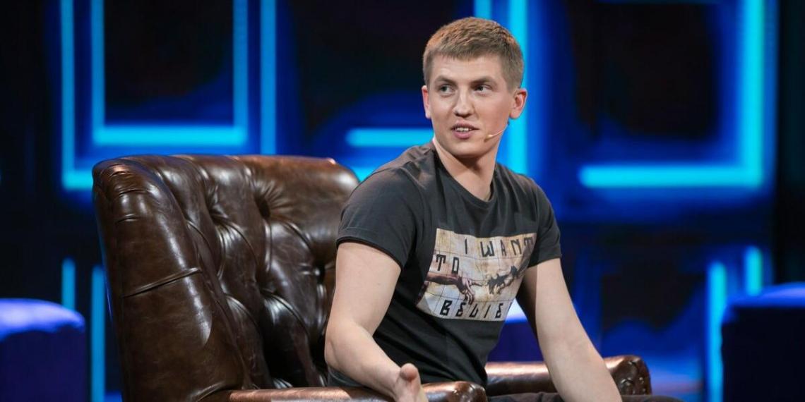 """Алексей Щербаков признался, что поздно потерял девственность из-за """"маленькой пиписьки"""""""