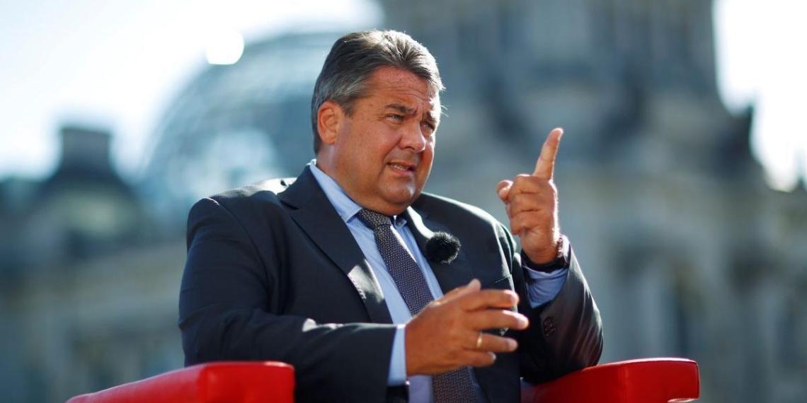 Габриэль допустил постепенное снятие санкций с России