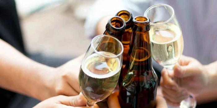 """""""Водка, пиво и вино"""": пермские детсадовцы отпраздновали Масленицу под алкогольную песню"""