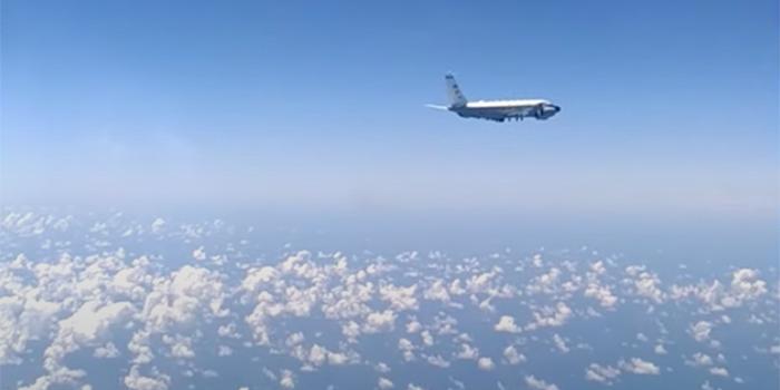 Опубликовано видео перехвата самолета США у границы России