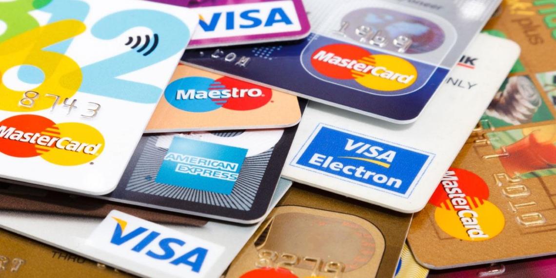 ЦБ предупредил банки о возможном отключении от Visa и Mastercard
