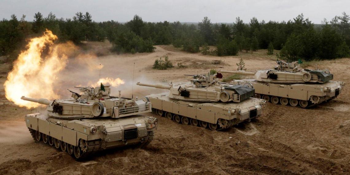 США перебрасывают тяжелую бронетехнику в Литву на границу с Белоруссией